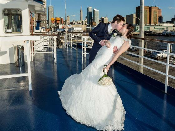 New York kiss on board World Yacht