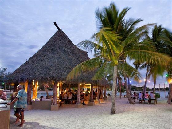Yacht Club Island Bar