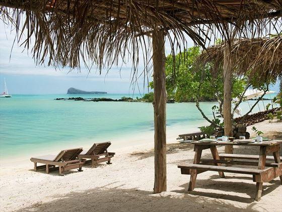 Zilwa Attitude beach loungers