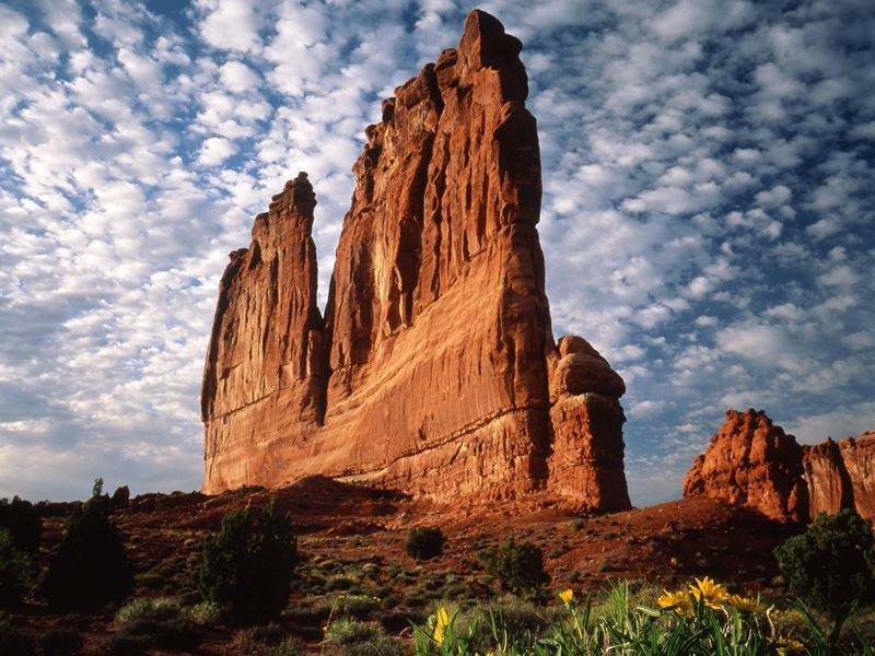 arches national park courthouse towers section