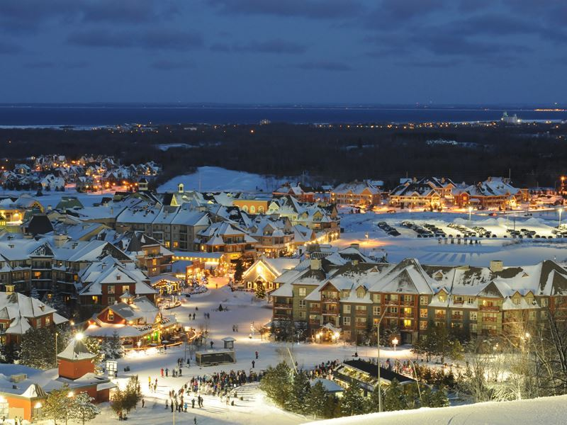 blue mountain resort in the winter