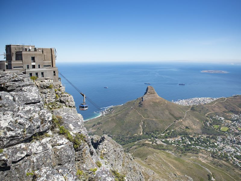 cape town cable car table top mountain
