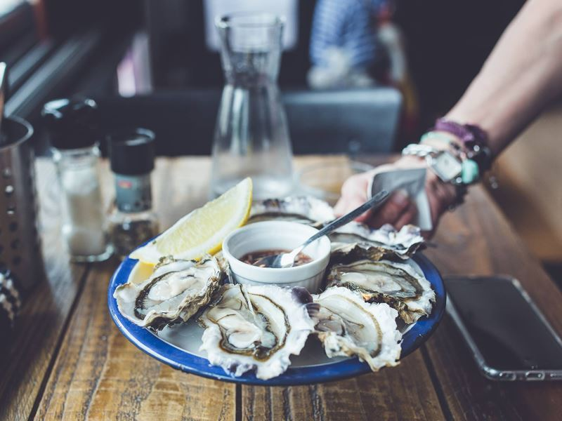 dining at catch oyster bar