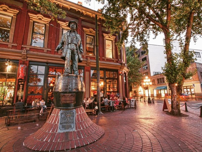 gassy statue gastown vancouver