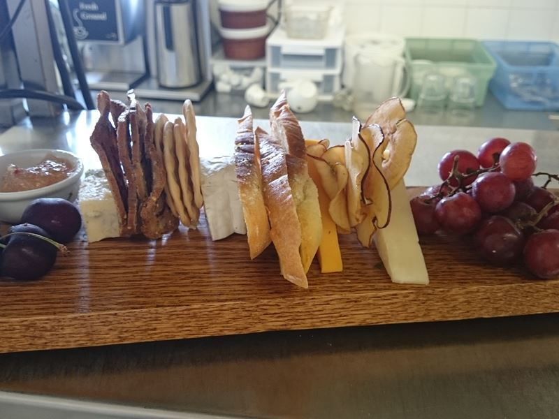 grapevine restaurant cheeseboard kelowna