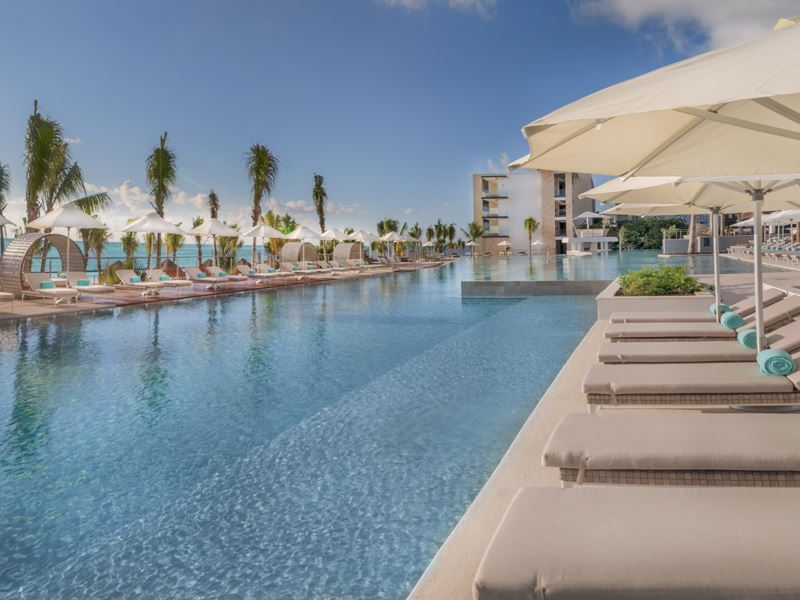 haven riviera pool view