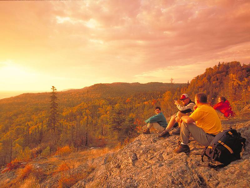 hiking lake superior provincial park