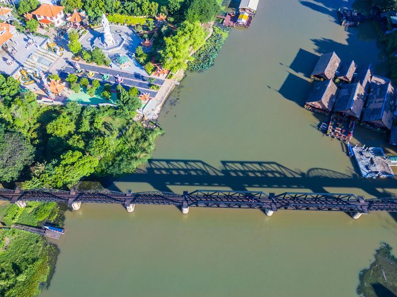 iron bridge over the river kwai