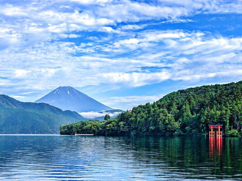 mt fuji viewed ashinoko lake