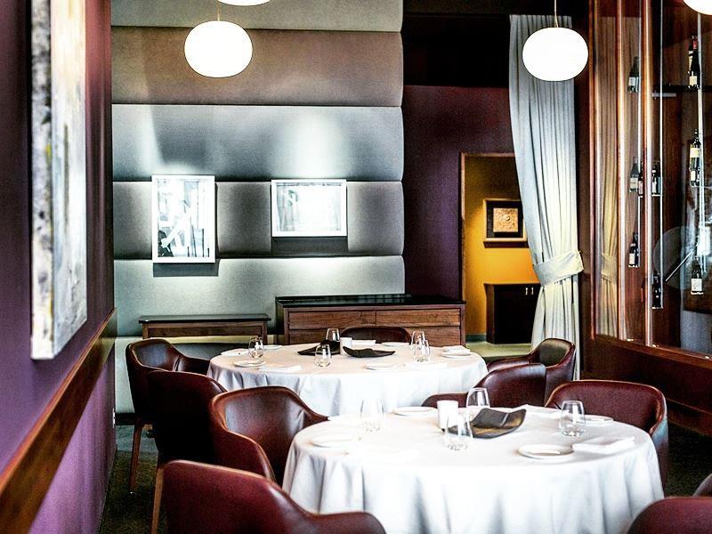 restaurant toque montreal