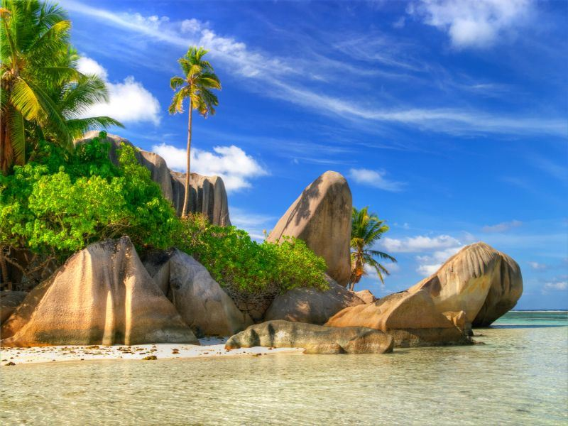 rock formations in la digue