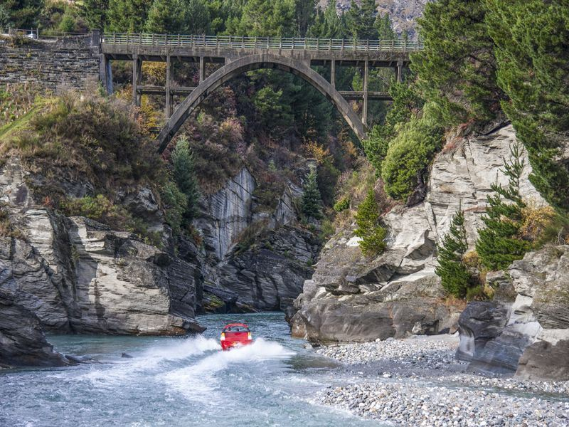 shotover river jet boat by queenstown