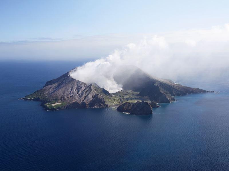 white island bay of plenty chris sisarich