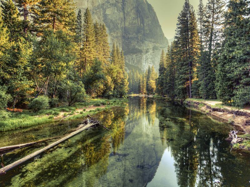 yosemite valley landscape and river